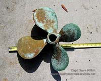 Propeller damaged by stray current